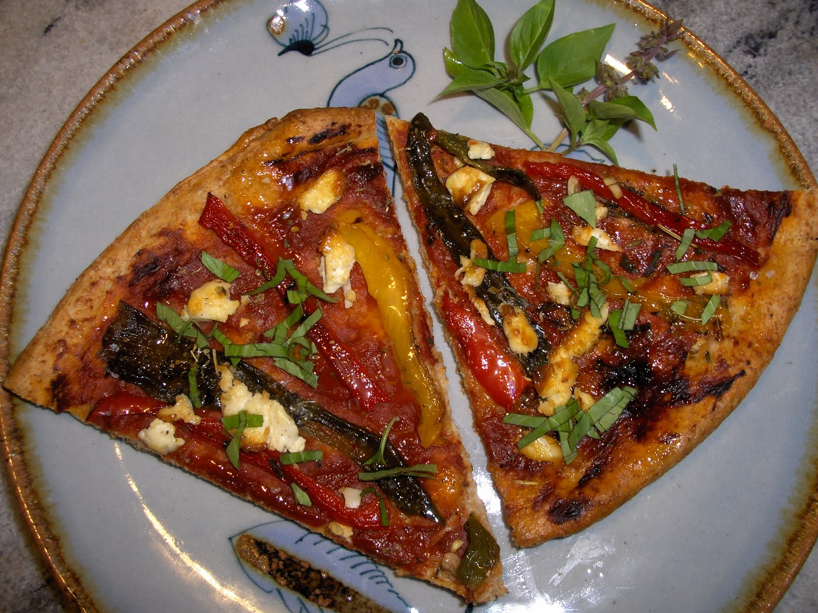 Three Pepper Pizza with Goat Cheese – Cooking in Mexico